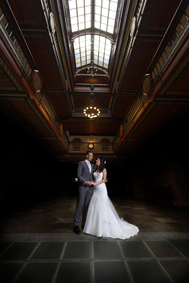 Bryllupsportrætter taget i de flotte omgivelser på Københavns Rådhus